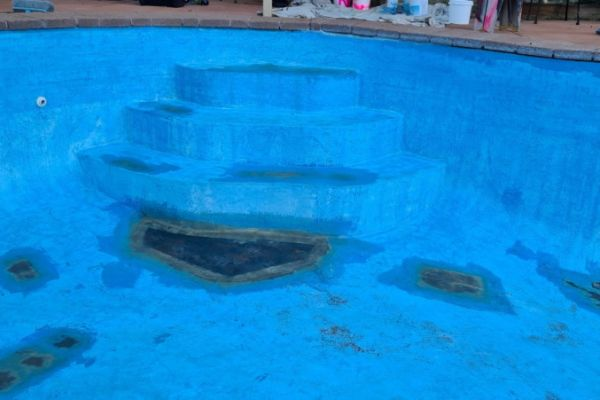 pool2B5F7F8F8-8790-F9AA-E370-441153C208D7.jpg